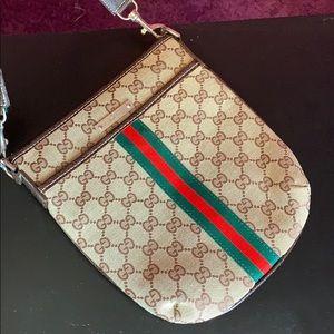 Gucci cross shoulder bag